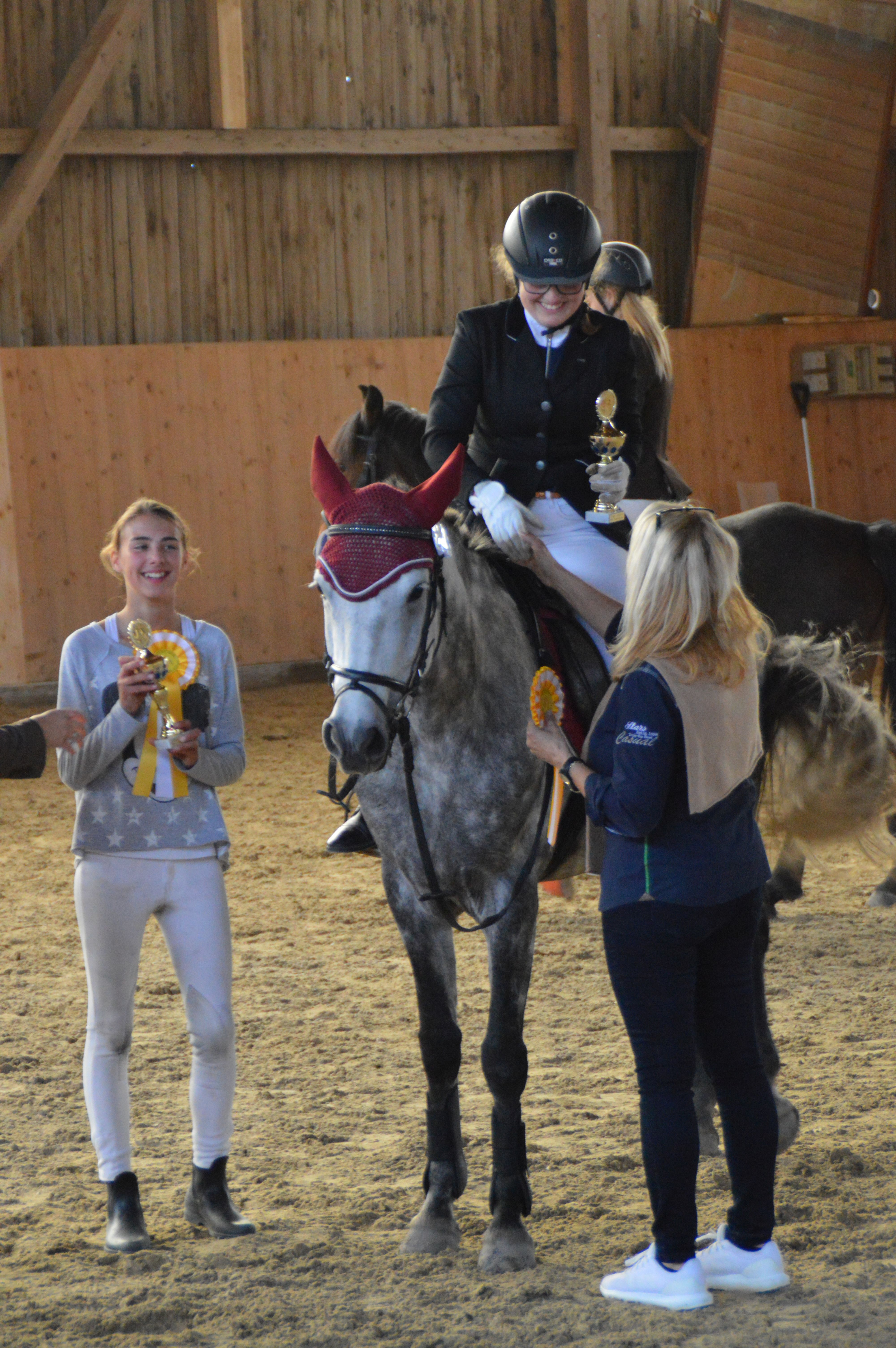1. Platz Reiterin Gallecker Johanna auf Shalamar Tara Läuferin Breca Nicole